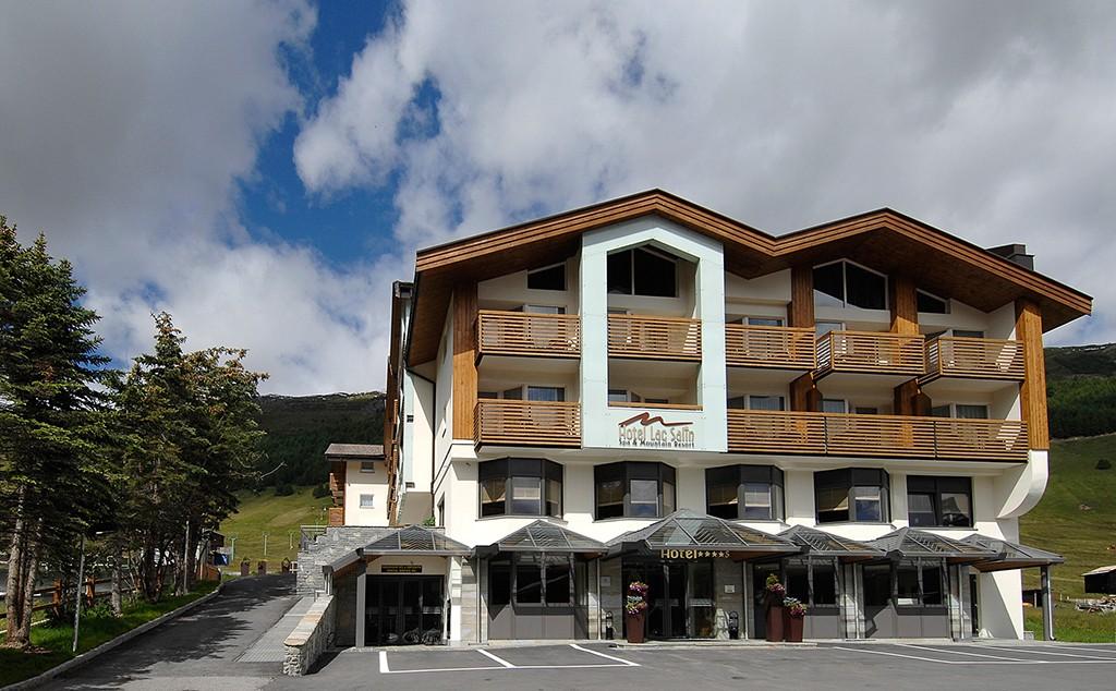 Lungolivigno Hotel
